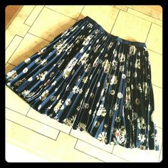 Jason Wu Pleated Floral Skirt Super cute Jason Wu skirt, in Navy color with floral print. In excellent pre-loved condition. Jason Wu Skirts