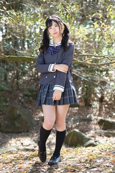 Japanese School Uniform Girl, School Uniform Fashion, School Girl Japan, School Girl Dress, School Uniform Girls, Cute Skirt Outfits, Cute Skirts, Girl Outfits, Little Girl Pictures