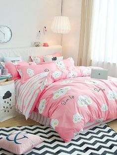 To find out about the Cloud Print Contrast Striped Bedding Set at SHEIN, part of our latest Bedding Sets ready to shop online today! Toddler Girl Bedding Sets, Kids Bedding Sets, Teen Bedding, Bedding Sets Online, Bedding Shop, Kids Bedroom Sets, Girls Bedroom, Bedroom Decor, Bedroom Ideas