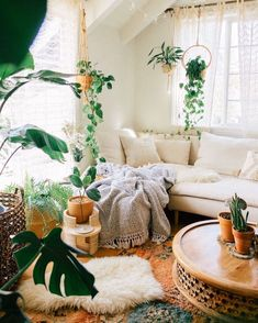 Boho Living Room, Living Room With Plants, Jungle Living Room Decor, Living Rooms, Bedroom Plants, Aesthetic Room Decor, Room Ideas Bedroom, My New Room, Cheap Home Decor