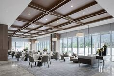 Hotel Design Architecture, Restaurant Interior Design, Corporate Office Design, Fall Ceiling Designs Bedroom, Sky Restaurant, Waffle Ceiling, Ceiling Treatments, Hotel Interiors, Dining Table Chairs