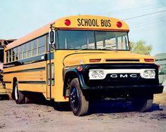 School Bus House, Old School Bus, School Bus Driver, School Buses, Bus Humor, Malta Bus, Bus City, Cool Pictures, Cool Photos