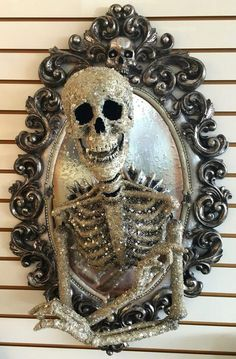 Have fun Halloween With Out of doors Decorations Have fun Halloween With Out of doors DecorationsHave Fun Halloween With Out Of Doors DecorationsWhen October comes round, it is time to pres Halloween Frames, Halloween Home Decor, Outdoor Halloween, Halloween Design, Halloween Projects, Diy Halloween Decorations, Halloween House, Holidays Halloween, Halloween Diy
