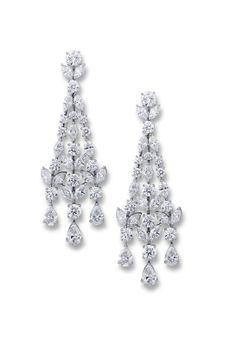 Graff boucles d'oreilles Chandelier http://www.vogue.fr/joaillerie/shopping/diaporama/pendants-du-soir-1/10881/image/650044#cartier-boucles-d-039-oreilles