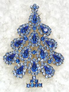 christmas pins | Details about 50 PCS CHRISTMAS TREE PINS BROOCHES WHOLESALE BULK LOT ...