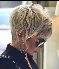 Short Choppy Hair, Medium Short Hair, Short Hair With Layers, Short Hair Cuts, Short Hair Styles, Best Short Hair, Wavy Pixie Haircut, Edgy Short Haircuts, Pixie Hairstyles