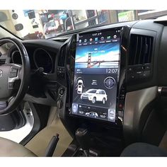 Android head unit with 16 inch large screen for Toyota Land Cruiser year model. Fits For Toyota land cruiser with or without original navigation. It's a great OEM screen upgrade and replacement. Toyota Lc200, Toyota 4runner Trd, Toyota Trucks, Toyota Cars, Chevy Pickup Trucks, Lifted Ford Trucks, Land Cruiser 200, Toyota Land Cruiser, Chevy Silverado Accessories
