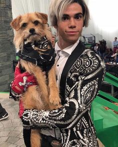 The best owner Dude could ever have. I mean look at their matching outfits! ❤️ The best owner Dude could ever have. I mean look at their matching outfits! Carlos Descendants, Cameron Boyce Descendants, Disney Channel Descendants, Descendants Cast, Descendants Videos, Descendants Characters, Descendants Costumes, Cameron Boys, Dove Cameron