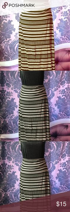 90a9576c4e Merona Size M - Stripped Maxi Skirt 💖 Good condition with minimal signs of  wear.
