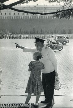 Henri Cartier Bresson - Red Square, Moscow 1955