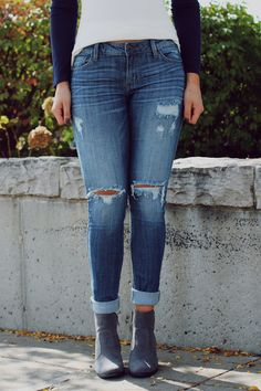 Distressed Detail Medium Wash Skinny Jean – UOIOnline.com: Women's Clothing Boutique
