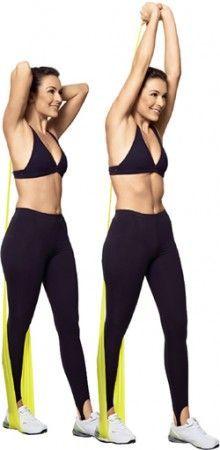 Tríceps De pé, pernas semiestendidas, com a esquerda um pouco à frente e a direita apoiada no centro da faixa, e braços flexionados para cima, segurando as extremidades da faixa com as duas mãos. Estenda os braços, direcionando-os para cima. Volte devagar. Zumba Fitness, Forma Fitness, Health Fitness, Yoga Props, Do Exercise, Skinny Girls, Pilates Workout, No Equipment Workout, At Home Workouts