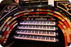 Organ Stop Pizza--Home of the Mighty Wurlitzer. If I'm ever in Mesa, Arizona, I've got to see this organ!