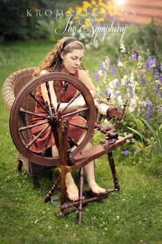 Symphony Spinning Wheel. I've seen this in a few spinning mags and I find it breathtakingly beautiful.