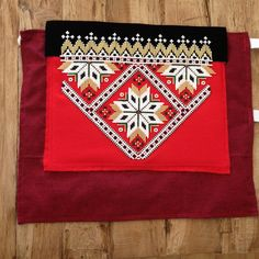 Bilderesultat for bringeduker til bunad Hardanger Embroidery, Design Research, Luxury Interior Design, Norway, Folk, Projects To Try, Traditional, Costumes, Belts