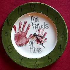 Welcome to Kid Prints Custom Hand-Painted Pottery Diy Projects To Try, Projects For Kids, Crafts For Kids, Hand Painted Pottery, Pottery Painting, Preschool Christmas, Preschool Crafts, Bisque Pottery, Clock Craft