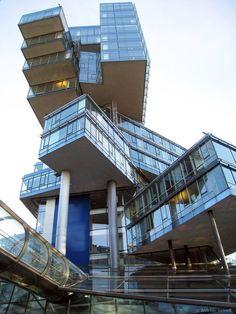 Behnisch Architekten (Stuttgart, Germany)