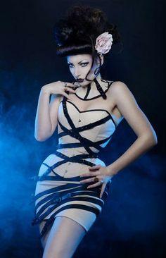 korsett Handmade overbust fashion corset  von Atelier sylphe Corsets auf DaWanda.com