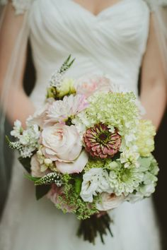 Fall pastels wedding bouquet, photo by Angela Cox Photography // http://www.statice-flowers.com