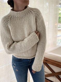 Jumper Knitting Pattern, Jumper Patterns, Knit Patterns, Designer Knitting Patterns, Free Knitting Patterns For Women, Couture, Cropped Sweater, Chunky Knit Jumper, Turtle Neck
