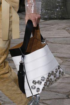 31759398eff Loewe Spring 2016 Ready-to-Wear Fashion Show
