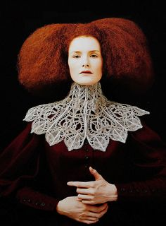 rifles: Alexander McQueen's Givenchy haute couture. (The Ornamented Being) Look Fashion, Fashion Art, High Fashion, 1999 Fashion, Alexandre Mcqueen, Alexander Mcqueen Couture, Givenchy, Valentino, Ruff Collar