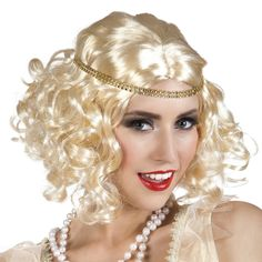 Need a hair colour and style that matches your outfit? This gorgeous blonde wig is a quick and easy solution! It s styled in an authentic fashion and looks great with one of the sparkly headbands associated with the era. Fancy Dress 20s, Ladies Fancy Dress, 1920s Wig, 1920s Flapper, Diana, 1920s Makeup, 20s Fashion, Gorgeous Blonde, Gatsby Wedding