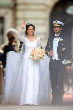 This is what it looks like to become a princess. Sweden's Prince Carl Philip and Sofia Hellqvist tied the knot in the chapel of the Royal Palace in Stockholm on Saturday—and it was in epic style. Princess Sofia Of Sweden, Princess Sophia, Prinz Carl Philip, Famous Wedding Dresses, Royal Marriage, Real Life Princesses, Long Sleeve Gown, Adele, Gowns Of Elegance