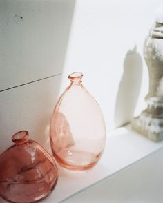 Pink Vase design ideas and photos to inspire your next home decor project or remodel. Check out Pink Vase photo galleries full of ideas for your home, apartment or office. Glass Photo, East Hampton, Everything Pink, Colored Glass, The Hamptons, Glass Vase, Perfume Bottles, Delicate, Vases