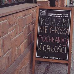 """Polubienia: 118, komentarze: 1 – Tak Czytam (@tak_czytam) na Instagramie: """"To my w Kielcach 💚❤️💙 mamy tam dwie księgarnie na ulicy Sienkiewicza 📚📚📚 zdjęcie @carrie86pl 😀…"""""""