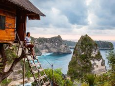 Woman At Treehouse Nusa Penida Bali Indonesia Photography , Travel Deals, Travel Destinations, Phuket, Day Of Silence, Flight And Hotel, Island Nations, Parc National, Green Landscape, Cheap Travel