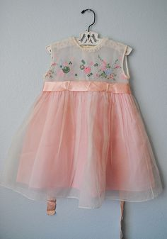perfect party dress Vintage Baby Dresses, Vintage Outfits, Antique Clothing, Perfect Party, Baby Things, Vintage Children, Kenzo, Fun Stuff, Kids Fashion