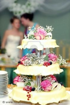 Wedding Pie Tiers ... I think this is the best idea for a small intimate wedding...just beautiful to!
