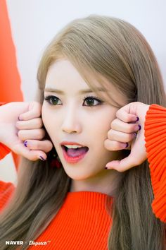 Lovelyz - Mijoo | 러블리즈 미주 Lovelyz Mijoo, Most Beautiful Women, Asian Beauty, Kpop, Sexy, Facial Expressions, Nature, Fashion, Face Expressions