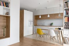 Cuisine moderne bois chêne: 36 exemples remarquables à profiter! Kitchen Room Design, Modern Kitchen Design, Home Decor Kitchen, Kitchen Living, Interior Design Kitchen, Kitchen Furniture, Home Kitchens, Modern Kitchens, Kitchen Ideas