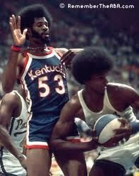 Afro Cards - Darnell had many epic battles with Artis Gilmore, who himself had a respectable fro, but here, the power of the fro is too much for Artis who seems to be getting thrown back by it's magical force.