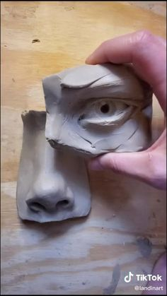 Ceramic Sculpture Figurative, Sculpture Clay, Pottery Sculpture, Anatomy Sculpture, Keramik Design, Sculpture Techniques, Clay Art Projects, Air Dry Clay, Pottery Art