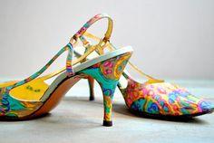 Vintage Schiaparelli silk sling back heels. ~ Lovely 70 - 80s colourful heels