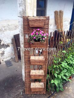 Willow planter with willow panel/willow basket on willow panel (SS198525) - China Willow planter with willow panel/willow basket on willo...