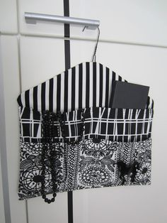 Storage with cloth hanger Diy Clothes, Clothes Hanger, Hangers, Hobbies And Crafts, Diy And Crafts, Sewing Hacks, Sewing Crafts, Closet Safe, Diy Bags Purses