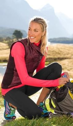 Good outfit for hiking in the Rockies in May! Shop by Sport: Hike & Explore Outfit Ideas Sport Fashion, Fitness Fashion, Lauren Collins, Trekking Outfit, Outfits Damen, Camping Outfits, Hiking Gear, Trekking Gear, Hiking Tips