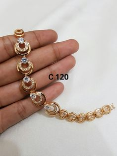 Gold Bracelet For Girl, Gold Bangle Bracelet, Jewelry Bracelets, Jewellery, Gold Bangles Design, Gold Earrings Designs, Bracelet Designs, Gold Jewelry Simple, Trendy Jewelry