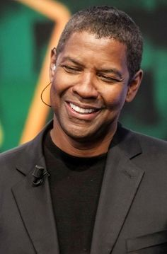 Denzel Washington Photo - Denzel Washington is Confused
