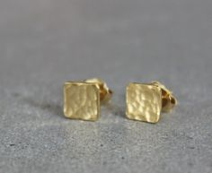 Gold square earrings, Small gold stud earrings, Gold hammered earrings, Square studs, Minimalist earrings