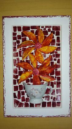 Mosaico com azulejo e cerâmica