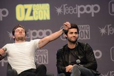 Dominic's reaction, when one of the fans addressed the question to him, not to Matthew 😹❤ Dominic Sherwood Shadowhunters, Shadowhunters Cast, Jace Wayland, Alec Lightwood, Alec And Jace, City Of Ashes, Gallagher Girls, Jamie Campbell, Matthew Daddario