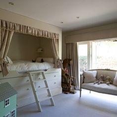 A real princess's bedroom! Looks like my angel, Siana~