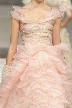 Pretty Little Things - wink-smile-pout: Oscar de la Renta Spring 2011 Ruffles, Pale Pink Weddings, Vestidos Fashion, Bridal Gowns, Wedding Dresses, Engagement Dresses, Pink Dresses, Spring, Dream Dress