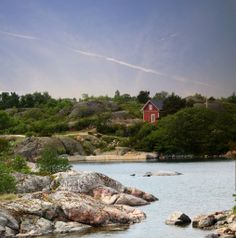 Heat up the lakeside sauna in the summer or get cosy in front of the fireplace in the winter, rest and revitalisation are guaranteed. Stockholm, Archipelago, Scandinavian Design, Landscape Paintings, Travel Destinations, Environment, Cottages, Places, Nature