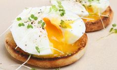 Tom Kerridge's perfect poached eggs 1. Crack eggs into separate cups and add a splash of vinegar to each - it doesn't matter whether it's white wine or malt.